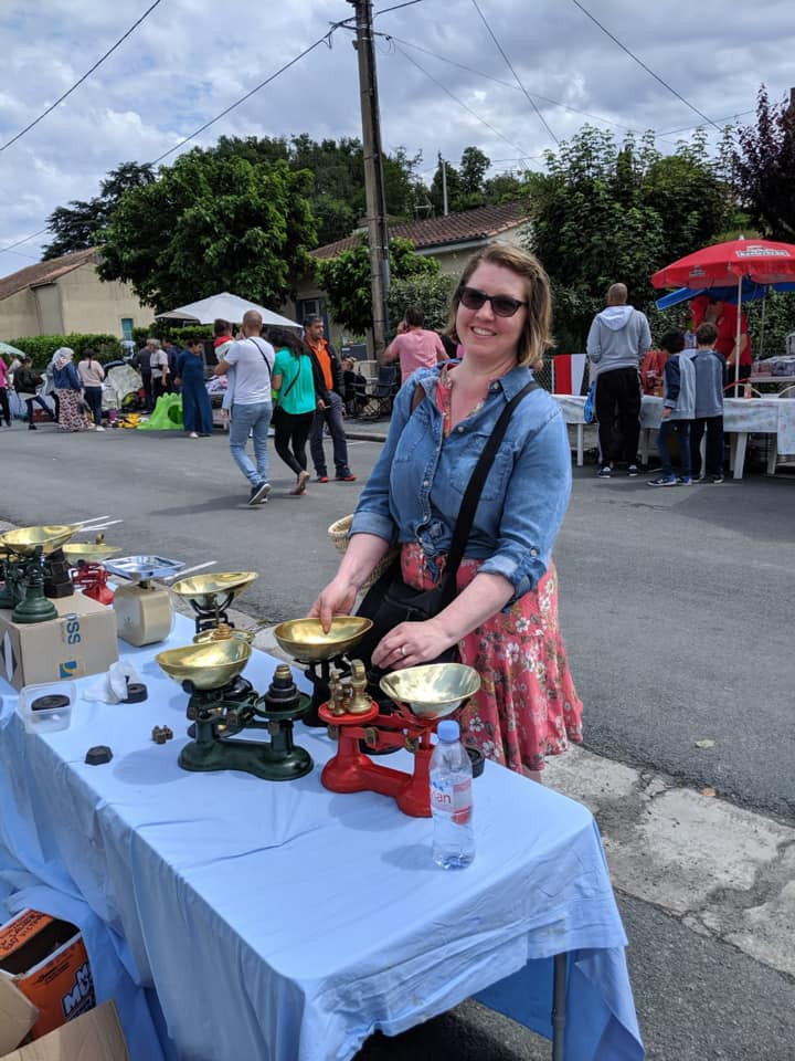 I am considering antique English food scales at this brocante in south western France