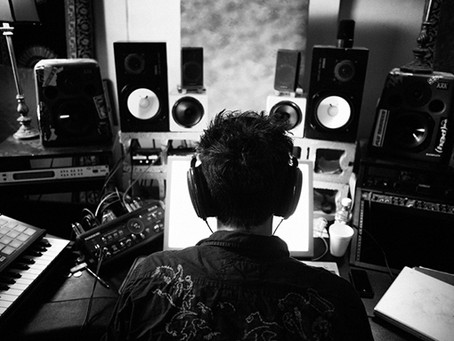 Gaining Clientele As A Music Producer: Client Growth Essentials