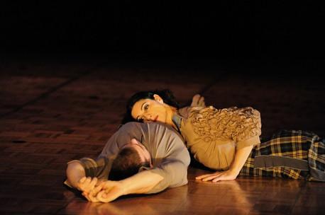 Emilia Rubio & Daniel King - Touch Compass Dance