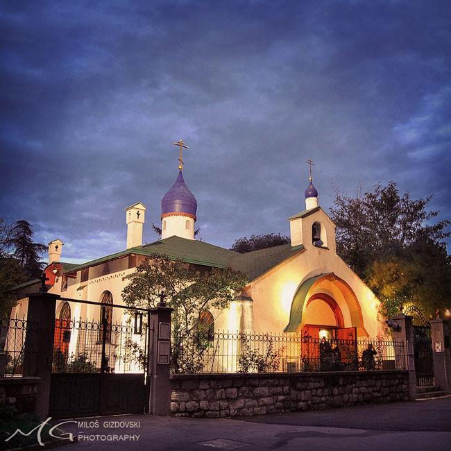 beograd-nocu-tasmajdan-ruska-crkva2