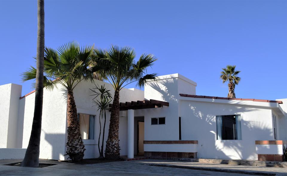 Villa IV