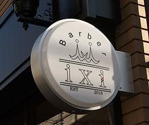 Barber ixi ロゴ看板