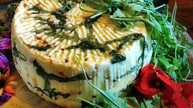 Pecorino with rocket and chilli pepper