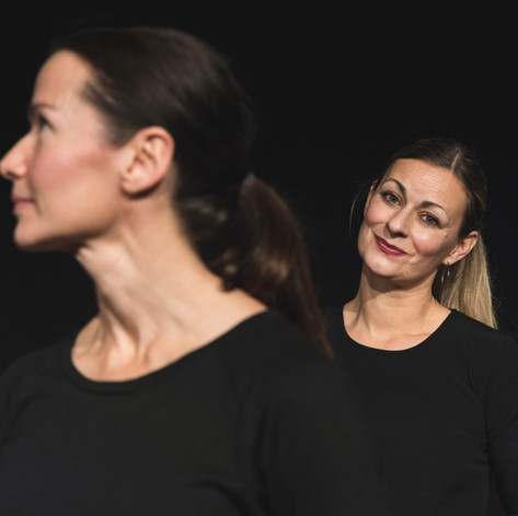 """From the performance """"Rollen vi ärvde"""" a Chamber Play written by me and Sara Ekman, Lund, Sweden, November 2019. Photographer Lukas Arnsby"""