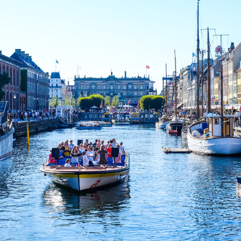 On a singing boat with Chamber Choir Camerata at the Canal of Copenhagen, Denmark, August 2020. Photographer Adam Garff