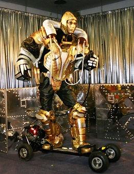 shalton theatre_robot on skate 350 x 453