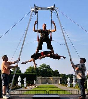 cirque no problem 350 x 394.jpg