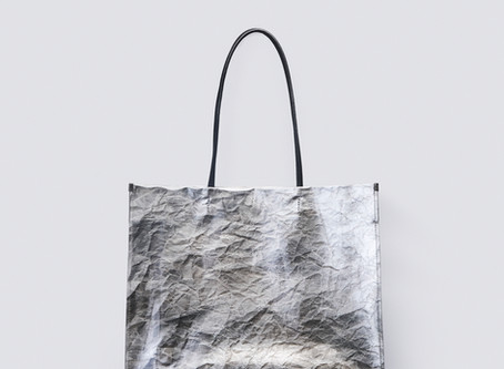 KENTO HASHIGUCHI×西陣の伝統工芸士 「手もみ銀銀箔ショッパーバッグ」をリリース
