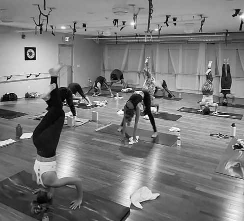 iss-yoga-8_edited.jpg