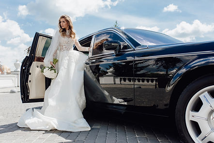 wedding limo service.jpg