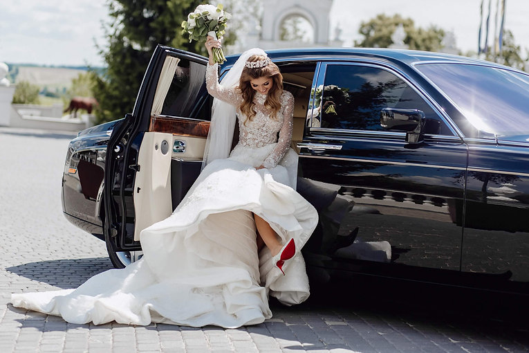 wedding limo service.jpeg