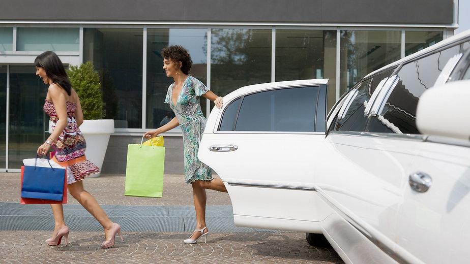 leisure limo service.jpg