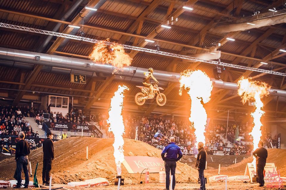 Vauhtia ja vaarallisia tilanteita tarjolla jälleen Tampere Supercrossissa