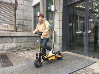 Sähköpotkulauta - Helppo tapa liikkua kaupunkiliikenteessä.
