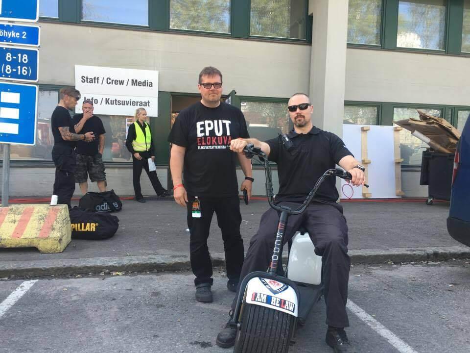 Sähköskootteri Escoot Magnum Eppu Normaalin keikalla Tampereen Ratinassa
