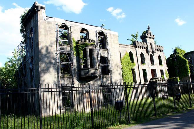Smallpox Memorial Hospital. Roosevelt Island, NY, 2020.