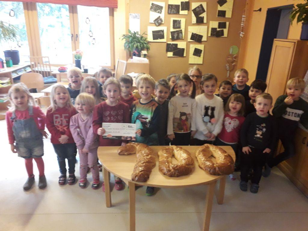 """Kindergarten """"Kleine Strolche"""" aus Drolshagen erbastelt sich 100 Euro"""