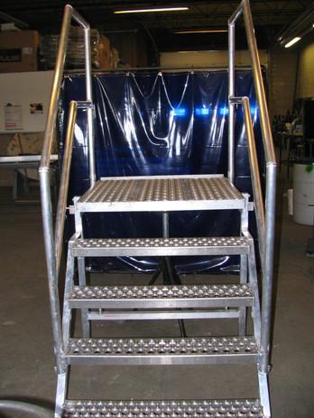Aluminum Step Ladder with Landing