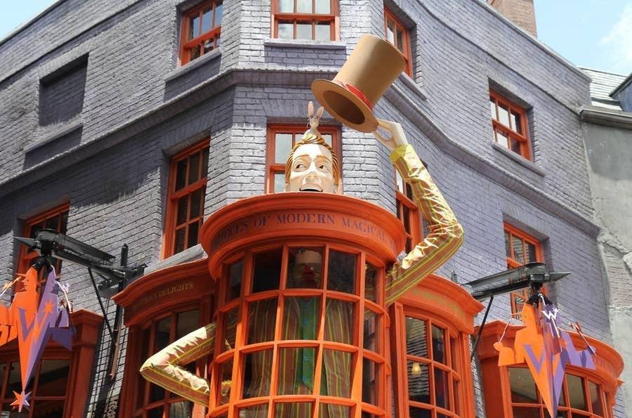 weasley's shop harry potter