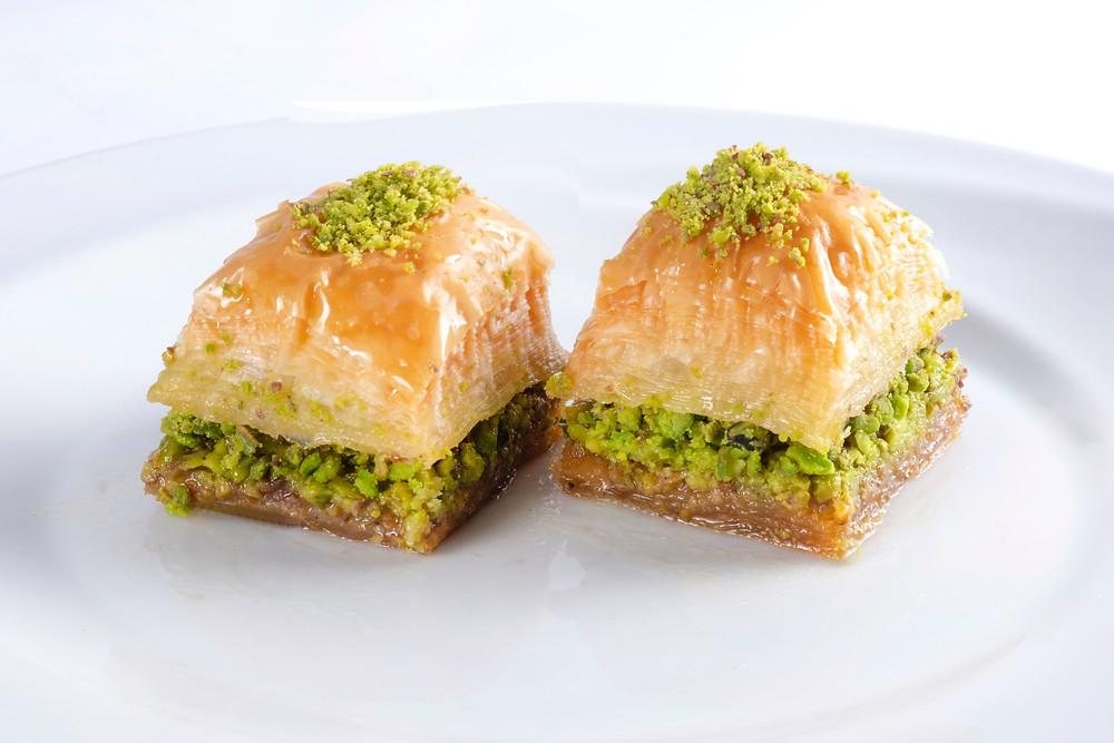 baklava turkish famous dessert