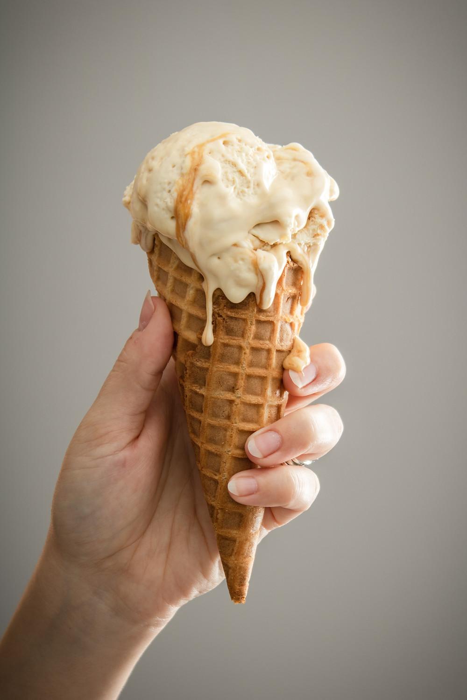 Caramel ice cream photo