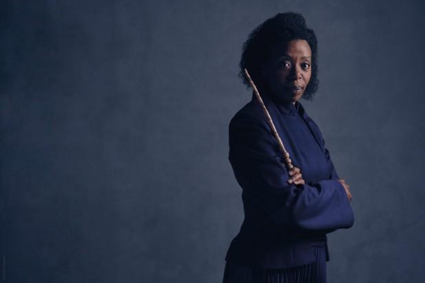 Noma Dumezweni como Hermione