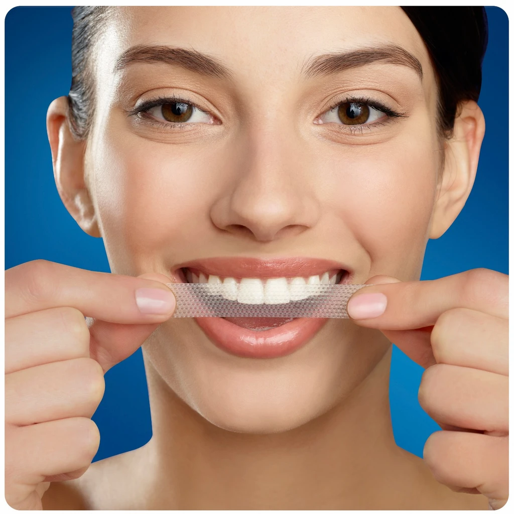 crest-3d-white-strips-whiter-teeth-at-ho