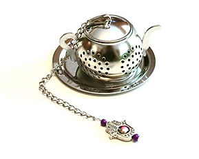 tea-infuser-hand-beautiful.jpg