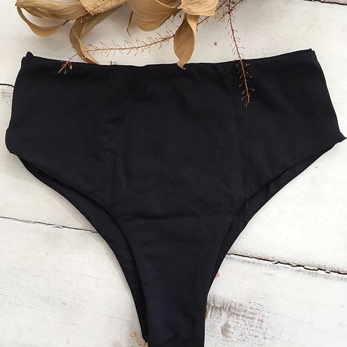 Calcinha Hot Pant Preta - ELLAVEST