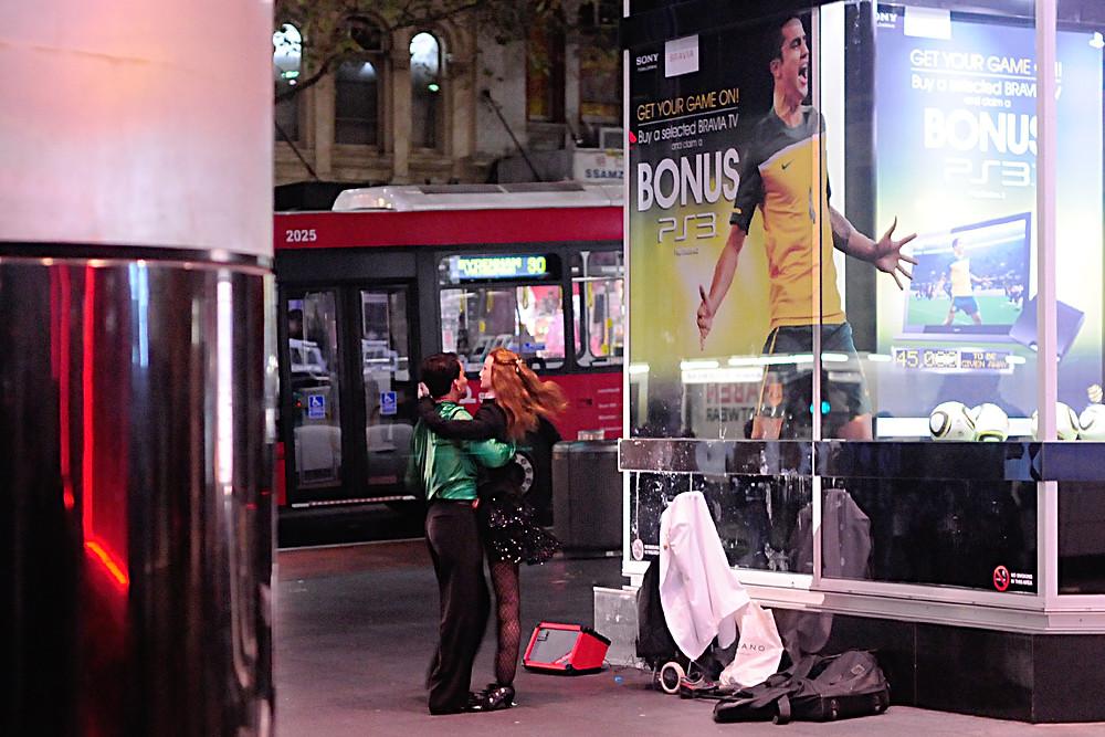 Street performer along the streets of Sydney, Australia.