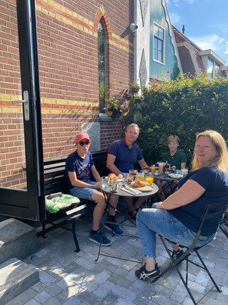 breakfast outside at Valerius Boutique Hotel