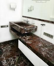 Столешница в ванную из мрамора Rosso Levanto