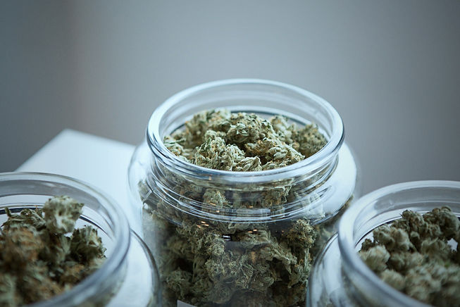 clear%2520glass%2520jar%2520filled%2520with%2520kush_edited_edited.jpg