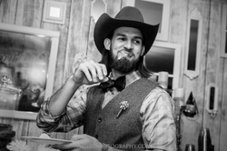 105 Dallas Wedding Photography - Photographer - The Les Photography - Fort Country Memories Wedding