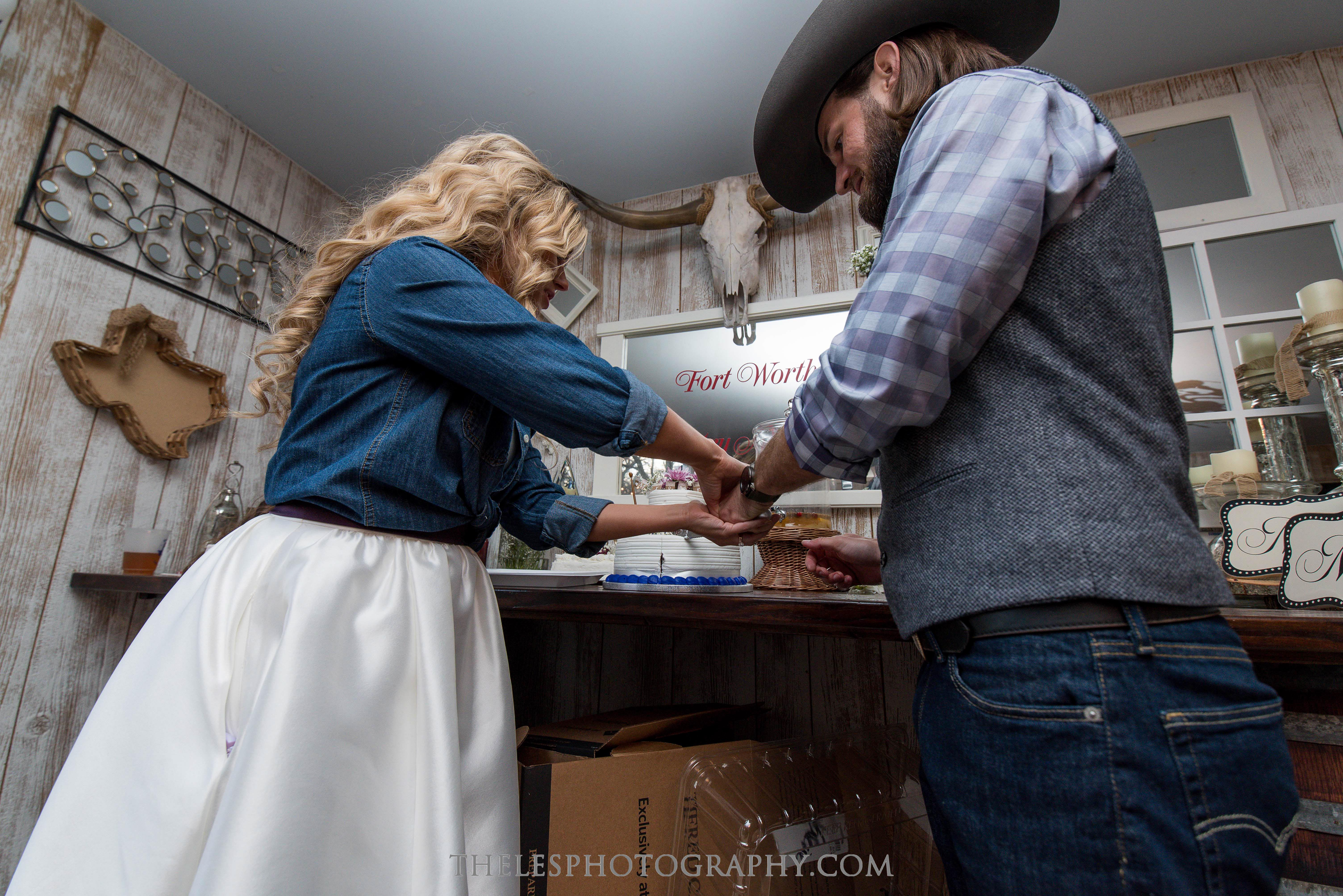 101 Dallas Wedding Photography - Photographer - The Les Photography - Fort Country Memories Wedding