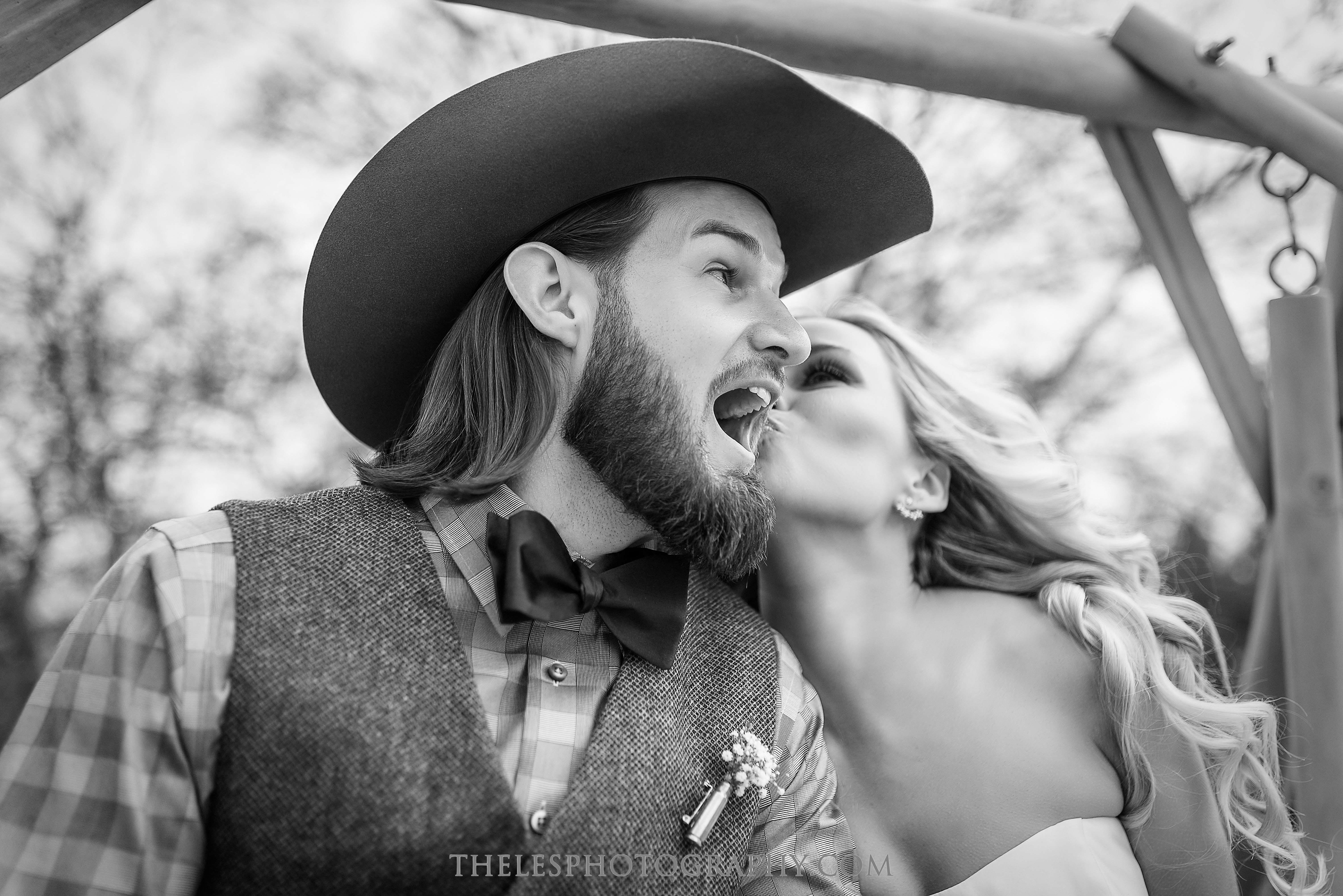 041 Dallas Wedding Photography - Photographer - The Les Photography - Fort Country Memories Wedding