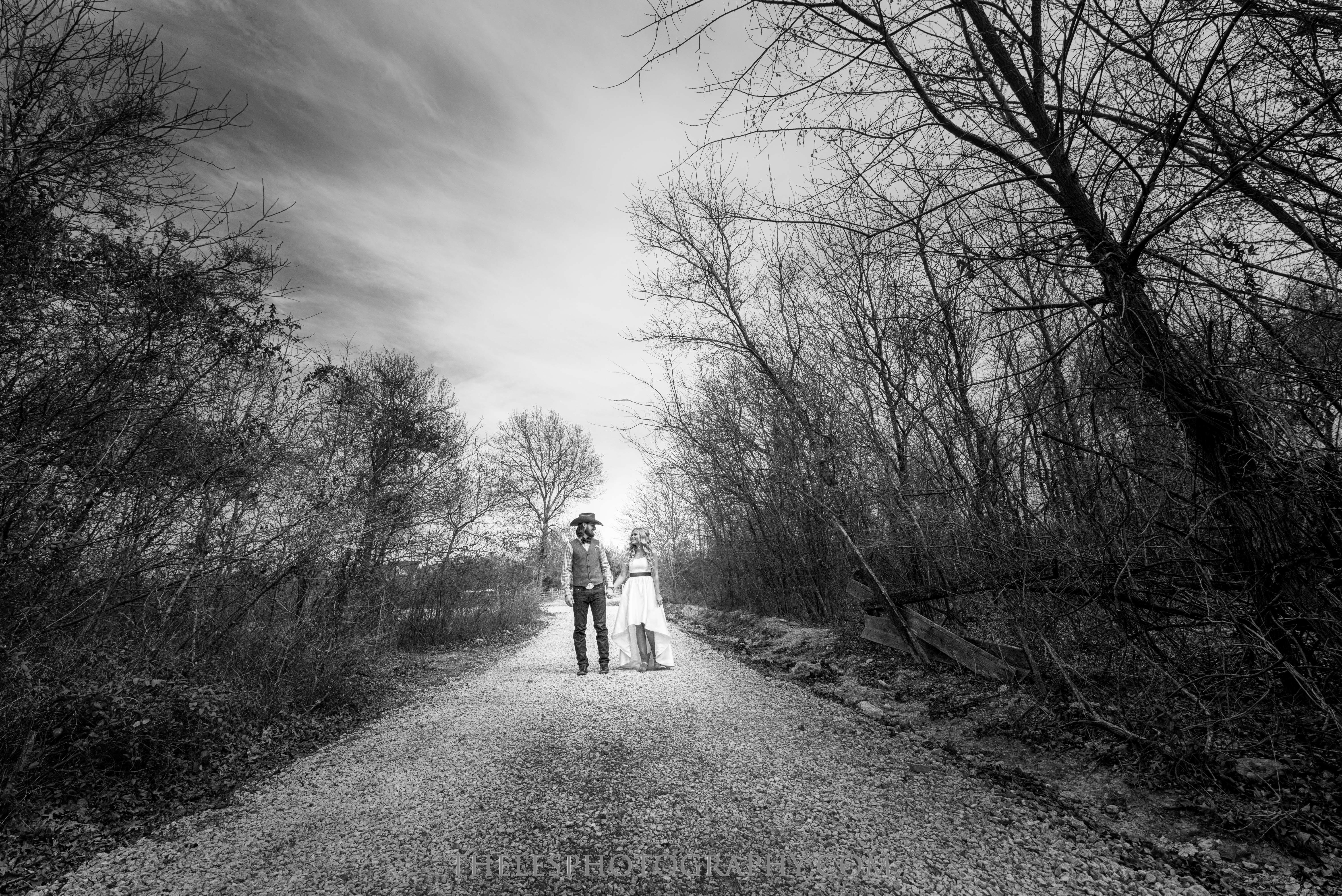 042 Dallas Wedding Photography - Photographer - The Les Photography - Fort Country Memories Wedding