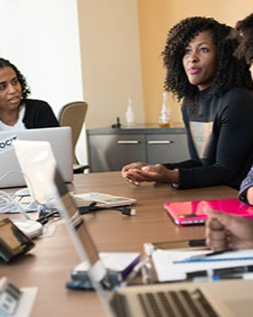 business_women_meeting_at_organization_t