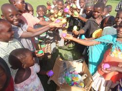 Lwengo children & Orphans get gifts