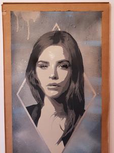 Lucy Diamond (Grey)