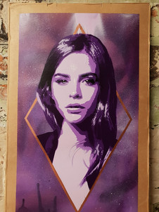 Lucy Diamond (Purple)