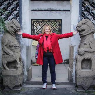 liz yuyuan gardens with lions.jpg