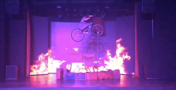 the bike trial show act by professiona circus artist Serghei