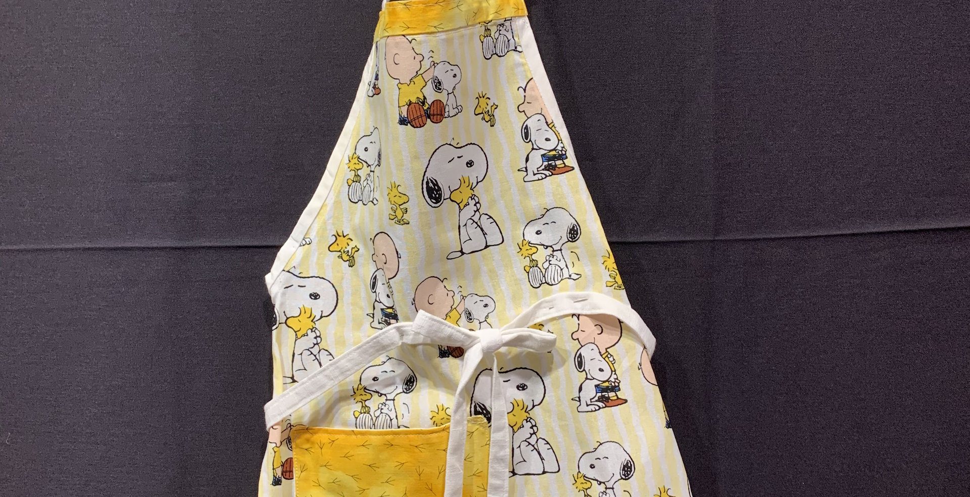 Peanuts Snoopy Apron (SOLD)