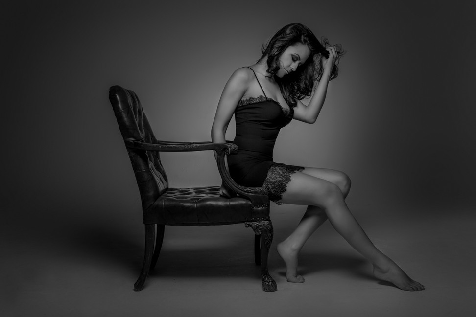 Sexy-sultry-boudoir-black-white-negligee