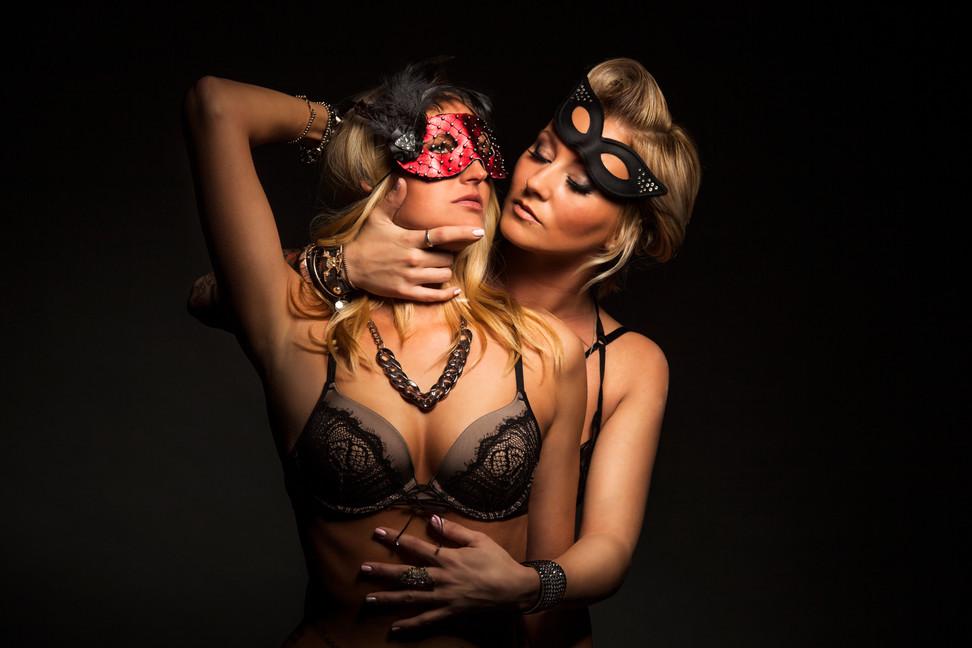 boudior-lesbian-gay-couple-masks