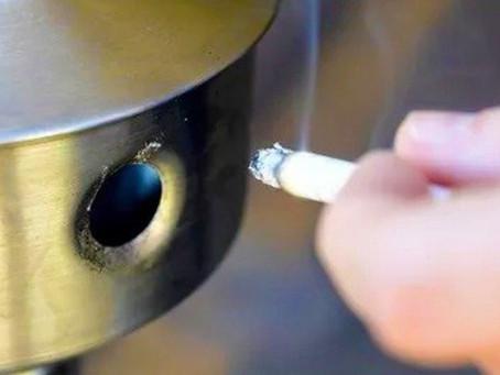 Bituca de cigarro vira papel reciclado em projeto inovador da UnB