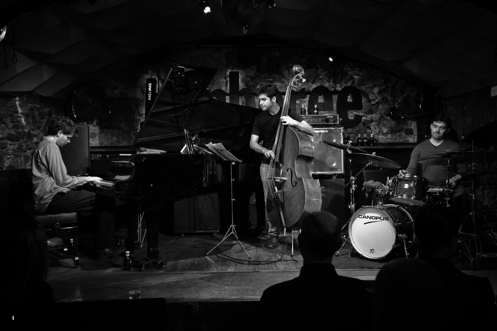 Yaniv Taubenhause Trio