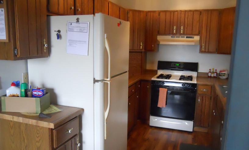 3BR kitchen1.JPG