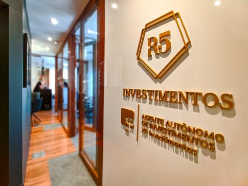 R5 | abitarte | escritório de investimentos | 2020 | Florianópolis